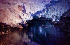 interno delle grotte di pertosa